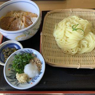 ざるうどんにカツ丼のセット(津田屋官兵衛  (つだやかんべえ))