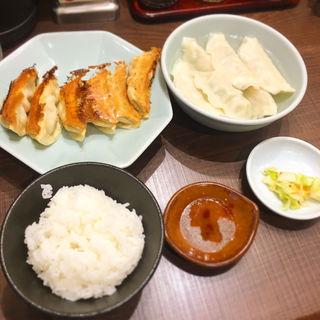 焼き餃子+水餃子&ライス(宇都宮みんみん ホテル アール・メッツ店 )