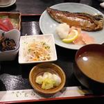 鯖の塩焼きと鮪の刺身