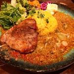 牡蠣と鶏キーマカレー+スパイスポルケッタ(アンディーカリー (ANDY CURRY))