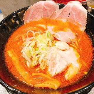 BURN (ピリ辛トマト味噌ラーメン)(世界が麺と味噌で満ちる時)