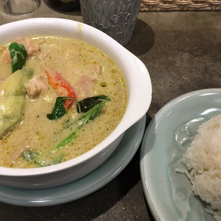 鶏肉のグリーンカレー(タイ料理研究所 渋谷店 )
