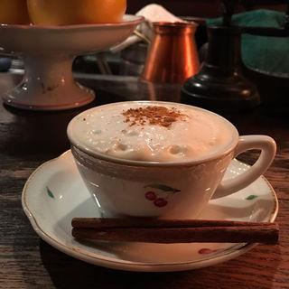 カプチーノ(カフェ レ ジュ グルニエ (Cafe Les Jeux Grnie))