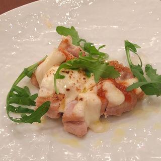 若鶏もも肉のトマトモツァレラのせオーブン焼き(コンチェルト )