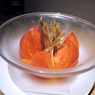 特大トマトの丸ごとピクルスとみょうが(E・A・T (イーエーティー))