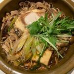 和牛とたっぷり木の子の石鍋すき焼き