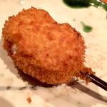 ガーリックソーセージとチーズ(串揚げ)(串揚げ ふくみみ)