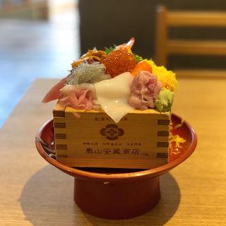 海鮮丼(奧山安蔵商店 シーフードグリル メイカーズピア店)