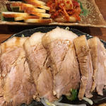 焼豚とおつまみ(二種盛りあわせ)