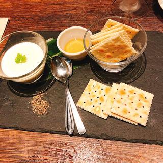 自家製ハチミツチーズ豆冨(鉄板キッチン 吟 三宮店 (GIN))