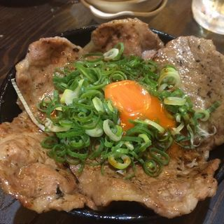 炭火焼豚丼~北海道帯広名物~(大衆酒場 肉処 マルカツ )