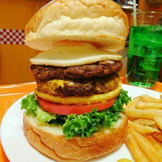 ベジタブルたまごバーガー+パティ2枚+チェダーチーズ+エッグ(アメリカンポップカフェ ビッグベリーマン 東大阪店)