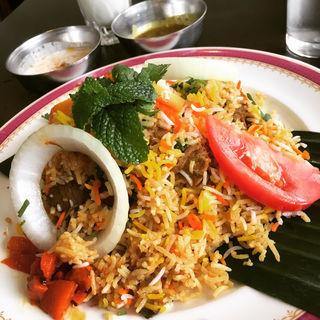 柔らかラムビリヤニ(カーンケバブビリヤニ (Khan kebab biryani))