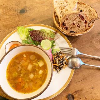 スープとパンのセット(Le Chalet)