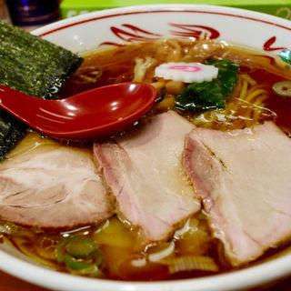 ワンタン麺(醤油](とら食堂 松戸分店 )