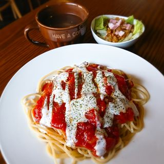 チキンとトマトのパスタランチ(たこ焼きBAR KARAKARA)