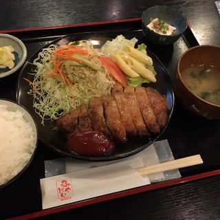 ポークソテー定食(みやだい倶楽部)