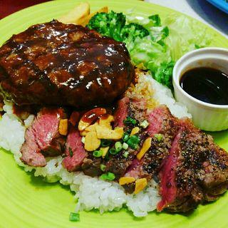 ハンバーグ&国産牛サーロインステーキ丼(イーワイズ (【旧店名】ハンバーガーランド))