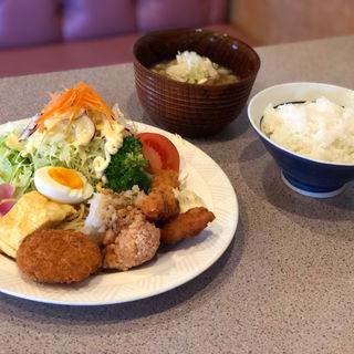 ランチ 1,ミックスフライ定食(チロリン夢来 )