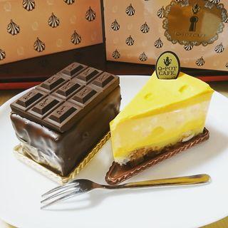 チーズケーキ、ザ・チョコレートケーキ(Q-pot CAFE)