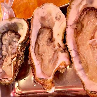 牡蠣とビールのセット(海鮮浜焼 九寅)