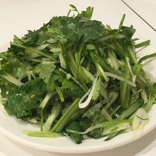 青唐辛子・胡瓜・香菜のサラダ(味坊)