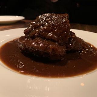 牛ほほ肉の黒ビール煮込み カルボナート(羽山料理店)