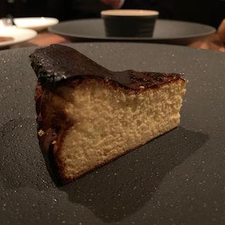 ヨーグルトバスクチーズケーキ(羽山料理店)