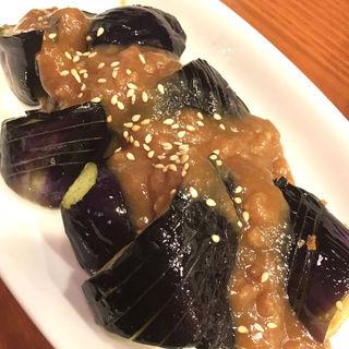 揚げナスの肉味噌がけ(居酒屋都)