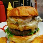 スイートポテトとゴルゴンゾーラとマシュマロのハンバーガー