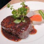 牛フィレ肉のステーキ トリュフソース