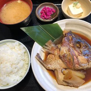 鯛のアラ炊き定食