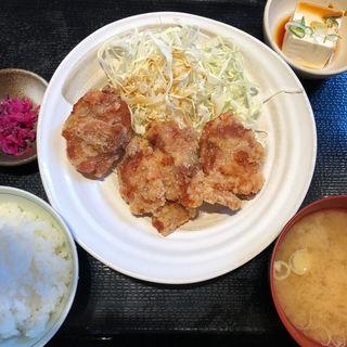 鶏の唐揚げ定食(小)