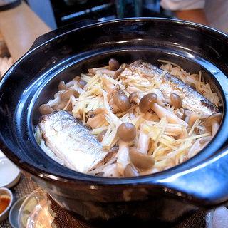 シメジとサンマの炊き込みご飯(割烹 船生 )