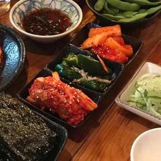 キムチ(3~4種盛り)(焼肉食道 かぶり 高円寺アパッチ店 )
