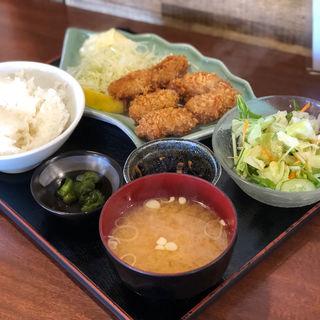 カキフライ定食(ししとう )