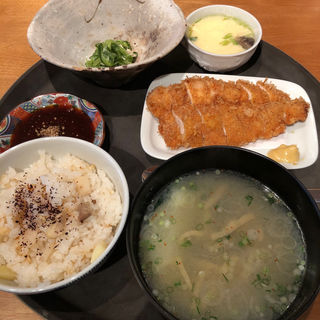 ランチチキンカツ定食(赤坂 丈太郎 )