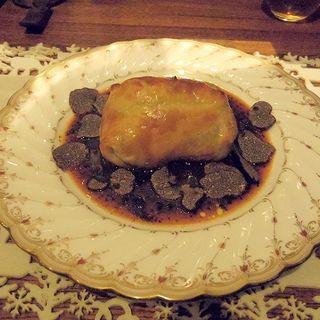 黒毛和牛ヒレのロッシーニのパイ包み仕立てトリュフソース添え(クリスマスフルコースメニューの一部)