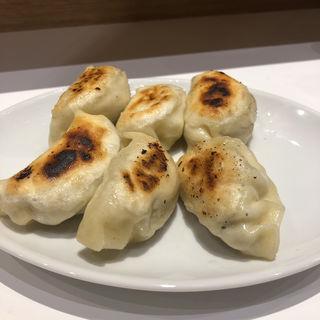焼餃子(6個)(餃子のラスベガス (LAS VEGAS))