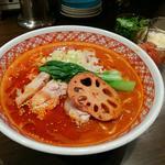 トマト担々麺+トマト+チーズ+パクチー(マンゲイラ 茶屋町本店 )