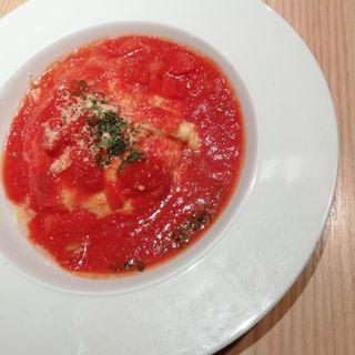 たっぷり完熟トマトとチーズのオムライス(OMOCHA 長泉店)