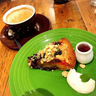 クッキー&カフェモカのクリスマスアップルパイ(アイスクリーム抜き)(GRANNY SMITH 銀座店)