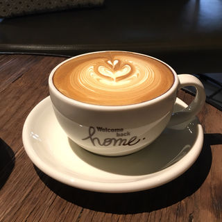 カフェラテ(ネイバーフッドアンドコーヒー 中山手通2丁目店 (Neighborhood and Coffee))