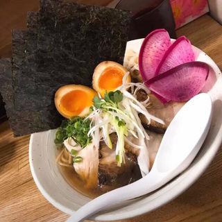 鶏清湯 醤油ラーメン スペシャル トッピング(横須賀 らー麺 しろ)