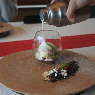 チョコレートプディング カシスホワイトチョコ  バニラアイス 抹茶ティラミスのエスプーマ  バーテンダーの魔法をかけて(嵐山MITATE (アラシヤマミタテ))