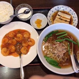 週替りランチ(醤油ラーメンor台湾ラーメン)(台湾料理 味源)