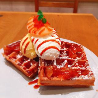 洋ナシとシナモンアップルのワッフル(マザーリーフ ティースタイル 阪急西宮ガーデンズ店 (Mother Leaf Tea Style))