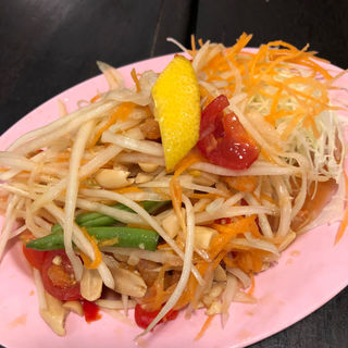 青パパイヤサラダ(東桜パクチー )