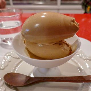 ミルクチョコレートとコショウのアイスクリーム(カフェ・グラス・スリーズ)