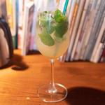 モヒート風ジンジャーミントジュース(多国籍食堂 錆と煤)